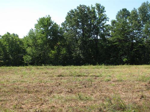 Nice Laying Land Wards Road, Hurt : Hurt : Pittsylvania County : Virginia