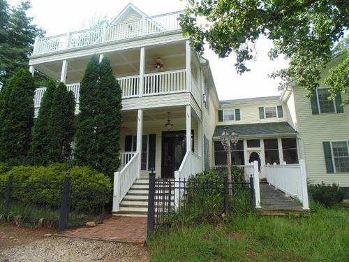 Blue Ridge Mountain Home Floyd : Willis : Floyd County : Virginia