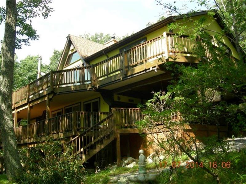 Mountain Top Retreat Capon Bridge : Ranch for Sale : Capon Bridge :  Hampshire County : West Virginia