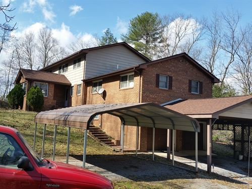Spacious 2 Story Home Full : Hinton : Summers County : West Virginia
