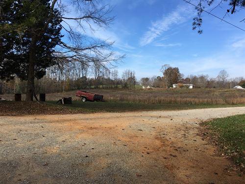 Land in Burkesville, Kentucky : Burkesville : Cumberland County : Kentucky