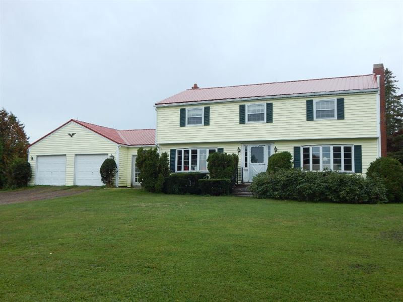 Coastal Horse Farm Surrounded 75 : Ranch for Sale : Perry