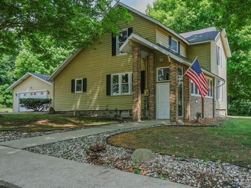 Updated Farmhouse Situated 16 Acres : Augusta : Kalamazoo County : Michigan