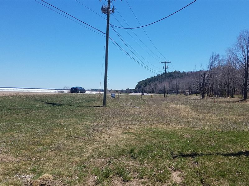 UP Commercial Property, 16 Acres : Marquette : Marquette County : Michigan