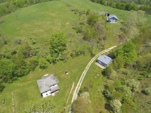 Farmhouse Home Vinton County 130 ac : Albany : Vinton County : Ohio