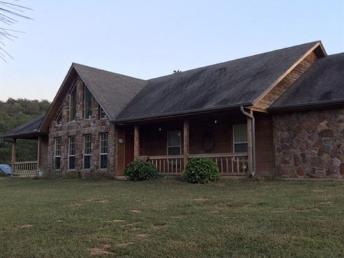 Beautiful Rock Home 318 Acres : Stigler : Haskell County : Oklahoma