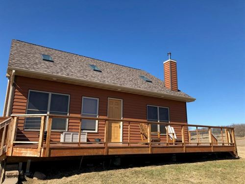 River Front Hunting Property Cabin : Pella : Shawano County : Wisconsin
