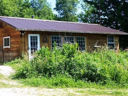 Rustic Log Cabin Prime Deer Hunting : Richland Center : Richland County : Wisconsin