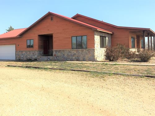 Amazing Red Hills Country Estate : Medicine Lodge : Barber County : Kansas