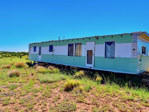 Ranch With Mobile Home : Peach Springs : Yavapai County : Arizona