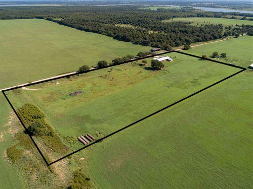 10 Acres With Ranch Home : Comanche : Texas