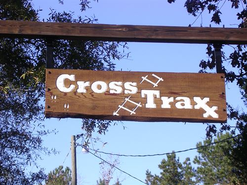 Cross Traxx Hunt Camp : Porterville : Kemper County : Mississippi