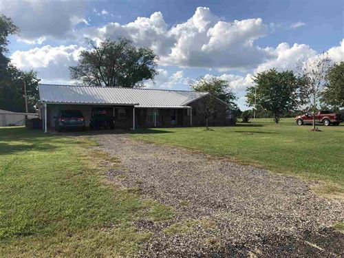 Home Place With Land : Pattonville : Lamar County : Texas