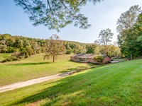 Country Retreat On Swan Creek : Centerville : Hickman County : Tennessee