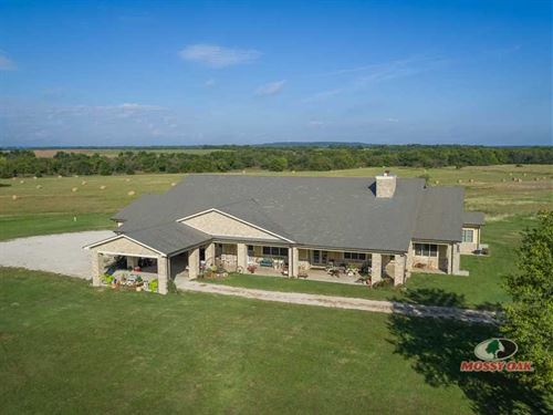 Wow Factor, 14,000 sq ft Home, 170 : Independence : Montgomery County : Kansas