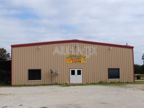 Livestock Salebarn/Feedlot Marion : Jefferson : Marion County : Texas