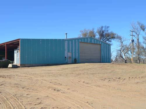 8,000 SF Shop Building, 10 AC Home : Protection : Comanche County : Kansas