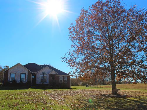 Hobby Farm & Equine Property In Mo : Ava : Douglas County : Missouri