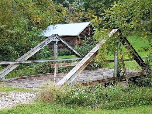 Gress Hollow Plantation : Hardin : Calhoun County : Illinois