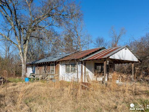 80 Acres Year Round Creek East Mena : Mena : Polk County : Arkansas