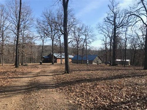 Great 53 Acre Hobby Farm With Grea : Stover : Morgan County : Missouri
