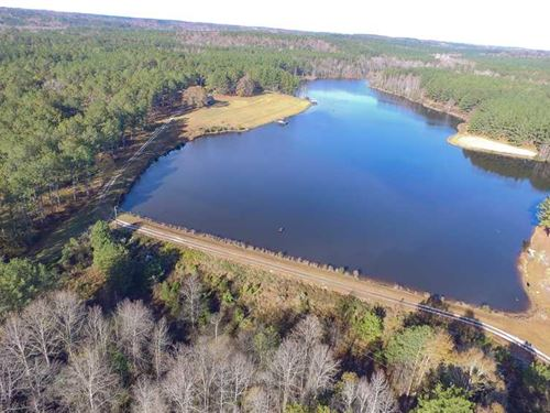 Stunning Property With Lodge : Troy : Pike County : Alabama