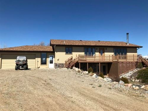 Home With Acreage in Montana : Brady : Pondera County : Montana