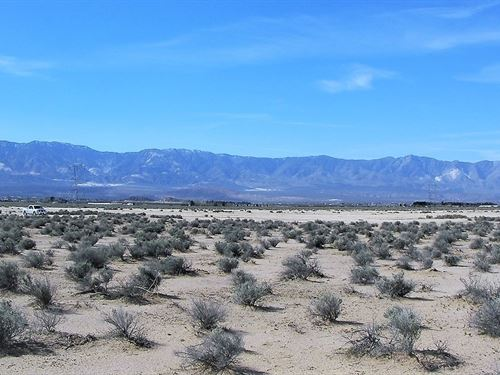Prime Ranch Land, Views, E Z Access : Lucerne Valley : San Bernardino County : California
