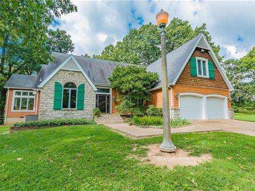 Pea Ridge Estate Home Acreage : Pea Ridge : Benton County : Arkansas