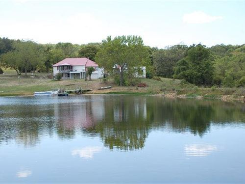 Southern Missouri Ozarks Hobby Farm : Drury : Douglas County : Missouri