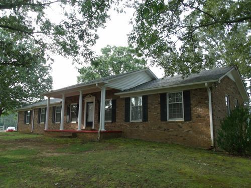 TN Farm Home, Barn, Pasture : Savannah : Hardin County : Tennessee