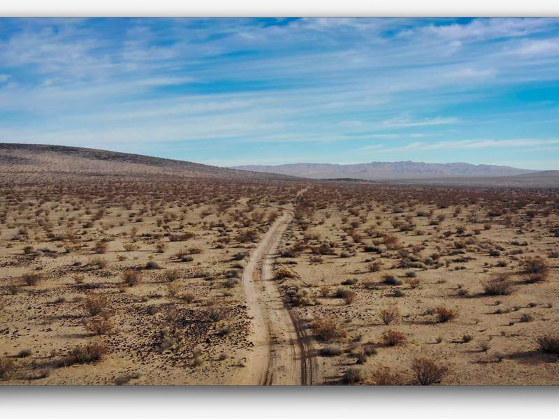 Off The Grid Mecca : Barstow : San Bernardino County : California