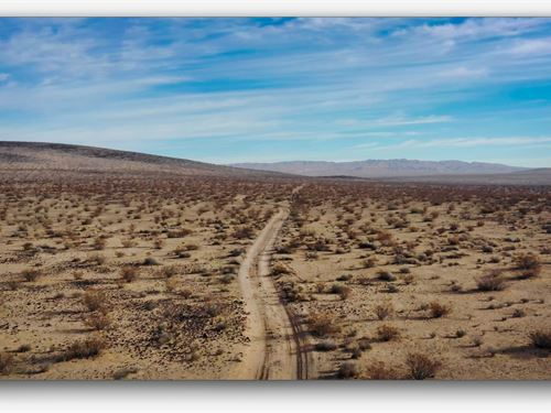 Off-The-Grid Mecca : Barstow : San Bernardino County : California