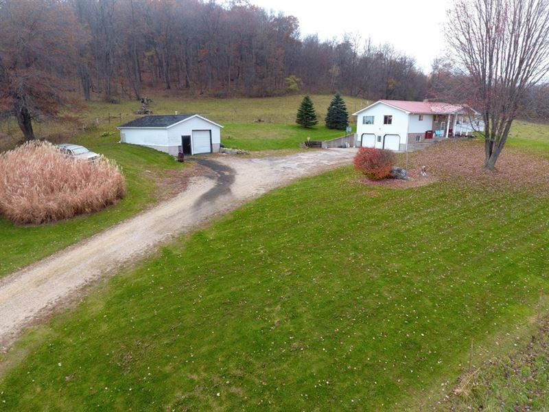 Country Home Near Keyesville : Ranch for Sale : Hillpoint : Sauk County on