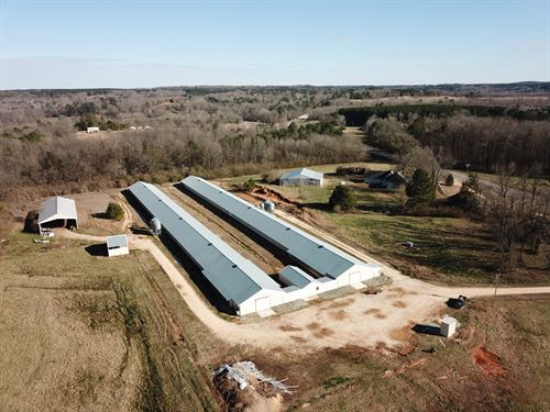 2 House Breeder Farm On 67+/- Acres : Haleyville : Marion County : Alabama