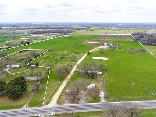 Texas Dairy Farm, 3 Homes, 101 East : Yantis : Wood County : Texas