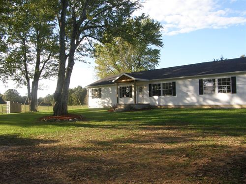Beautiful Farm With Barns : Mansfield : Wright County : Missouri