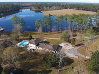 Home, 262 Acres-40 Ac Lake : Poplarville : Pearl River County : Mississippi