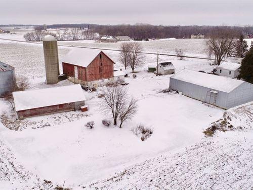 Hobby Farm Hunting Land Outside : Marshall : Dane County : Wisconsin