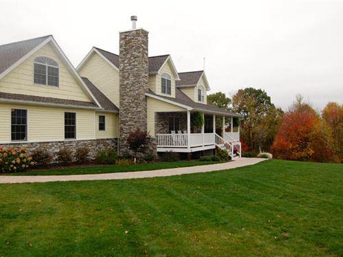 28 Acres, Custom-Built Home : Benton : Luzerne County : Pennsylvania