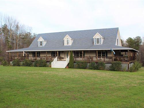 Picturesque Farm : Victoria : Lunenburg County : Virginia