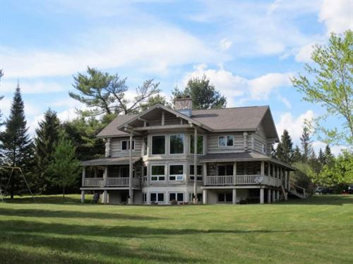 Luxurious Silverbass Lake Retreat : Newbold : Oneida County : Wisconsin