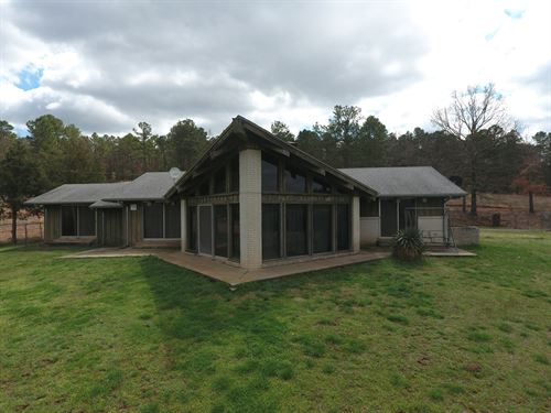 Country Home With Spectacular View : Red Oak : Latimer County : Oklahoma