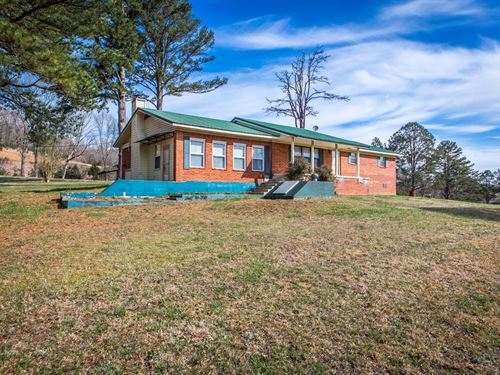 Country Home 3 Bedroom/3 Bath 22.70 : Clinton : Van Buren County : Arkansas