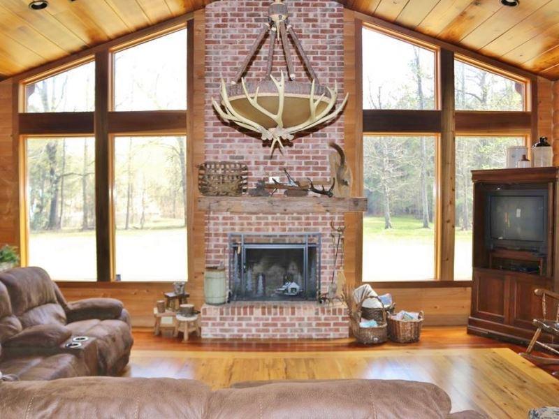 Lodge/Camp, 255 Acres Turnkey Hunti : Louin : Jasper County : Mississippi