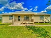 Beautiful Home With Acreage : North Zulch : Madison County : Texas