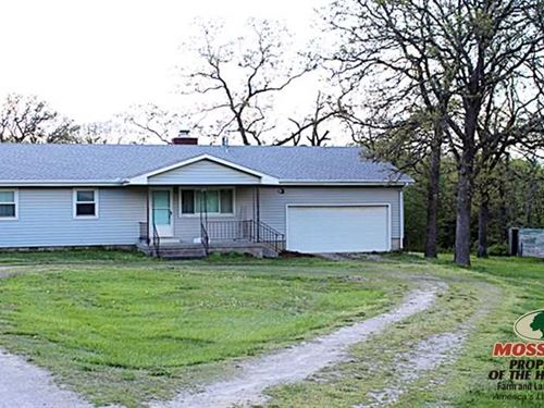 Ranch-Style Home on 127 Acres : Coffeyville : Montgomery County : Kansas