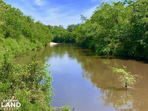 Escatawpa River Weekend Retreat : Citronelle : Mobile County : Alabama