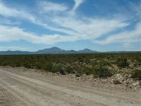 140 Acres For The Price Of 100 Acre : Sierra Blanca : Hudspeth County : Texas