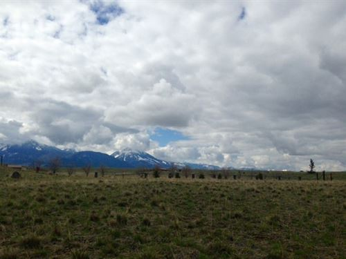 Big Game Property In Paradise Valle : Livingston : Park County : Montana